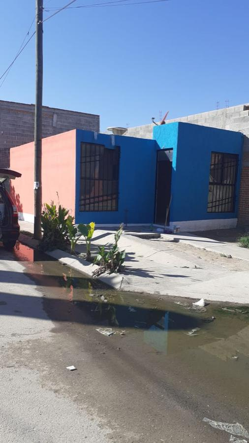 Foto Casa en Venta en  Santo Tomás,  Soledad de Graciano Sánchez  Fraccionamiento Santo Tomás, Soledad de Graciano Sánchez