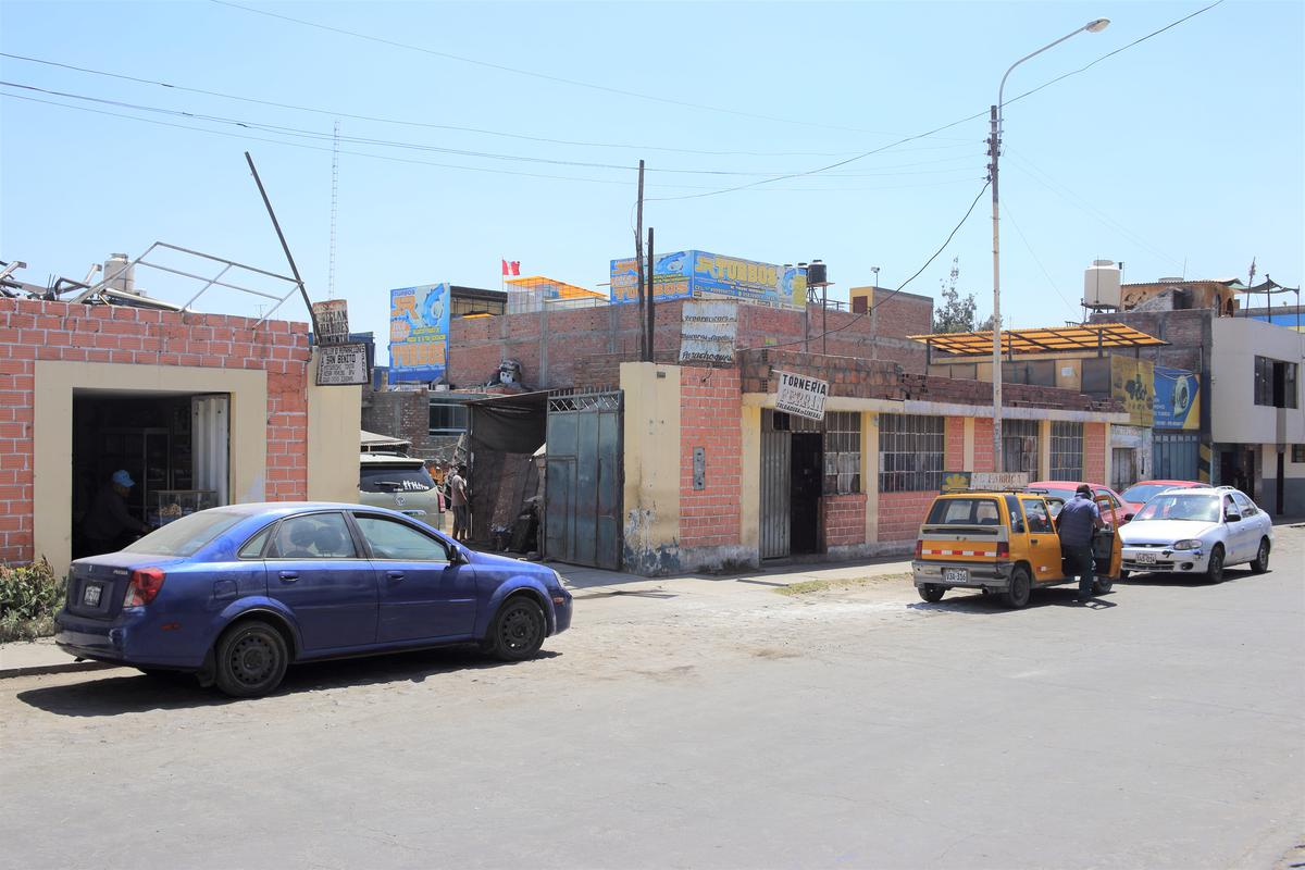 Foto Terreno en Venta en  Paucarpata,  Arequipa  Avenida Victor Andres Belaunde al 100