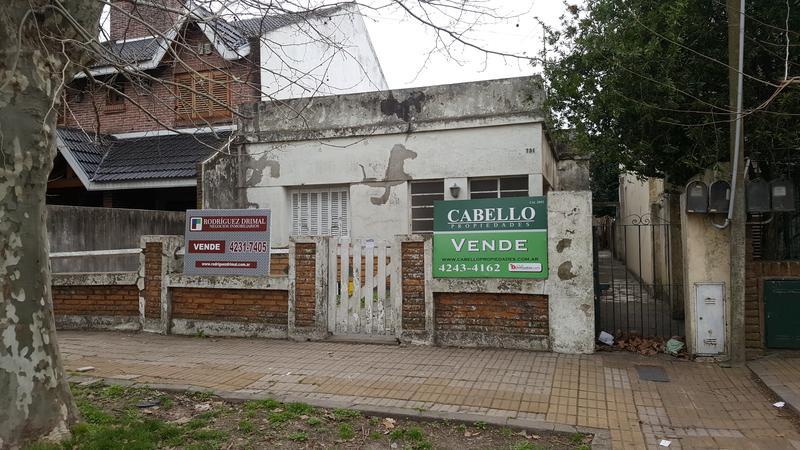 Foto Casa en Venta en  Lomas de Zamora Oeste,  Lomas De Zamora  LAVALLE al 700