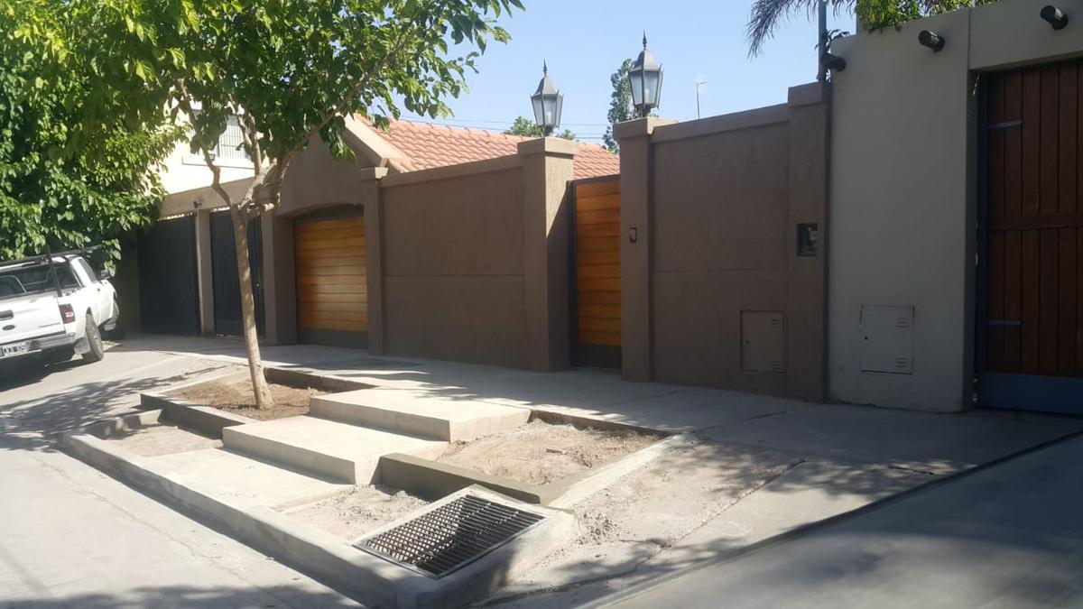 Foto Casa en Venta en  Villa Nueva De Guaymallen,  Guaymallen  Bº Marbella