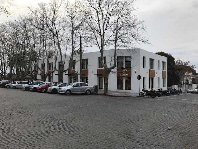 Foto Departamento en Venta en  Colonia del Sacramento ,  Colonia  Barrio Histórico  - Paseo del Muelle 102