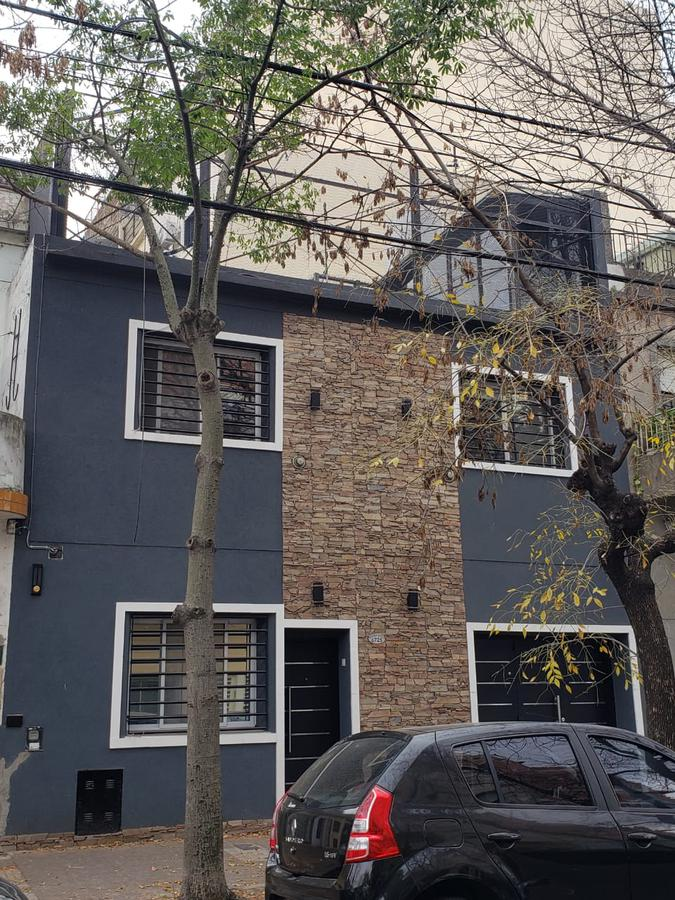Foto Casa en Venta en  Liniers ,  Capital Federal  Ventura Bosch al 6700
