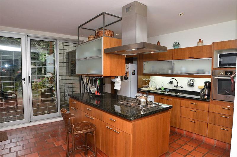 Foto Casa en Venta en  Parque Rodó ,  Montevideo  A metros de Parque Rodo.
