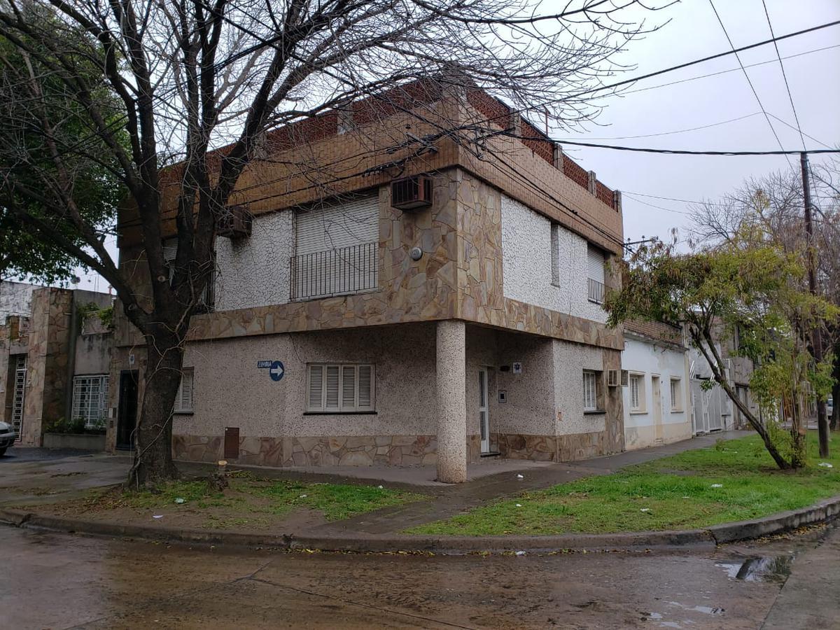 Foto Casa en Venta en  Azcuenaga,  Rosario  ZUVIRIA 5300