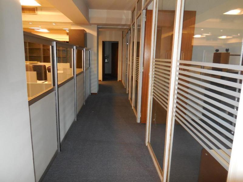 Foto Oficina en Alquiler en  Retiro,  Centro  DR. RICARDO ROJAS al 400