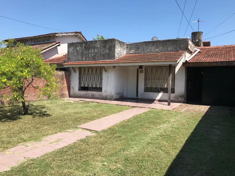 Foto Casa en Venta en  Monte Grande,  Esteban Echeverria  Weiman al 500