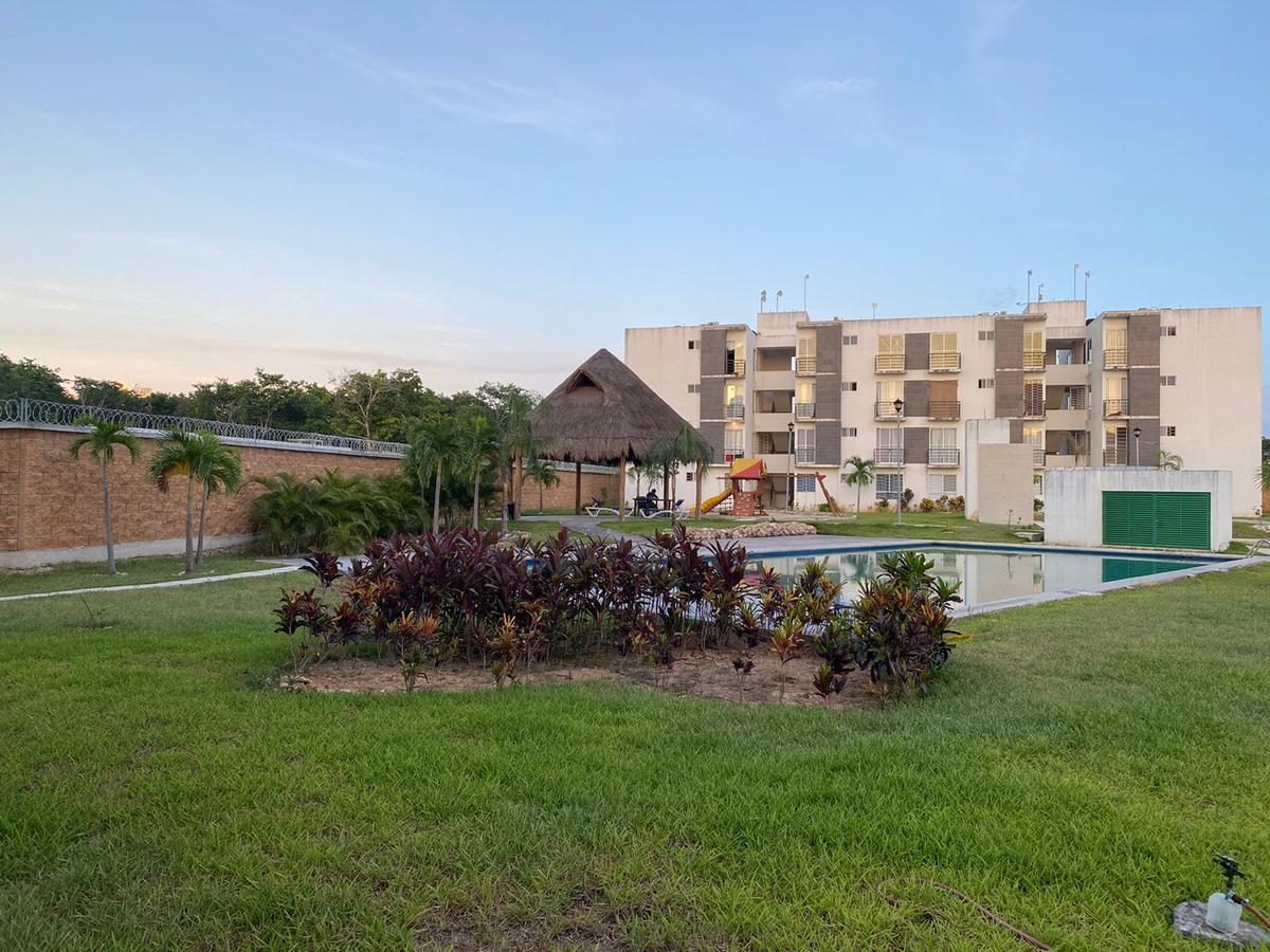 Foto Departamento en Venta en  Solidaridad ,  Quintana Roo  Departamento nuevo con alberca en privada