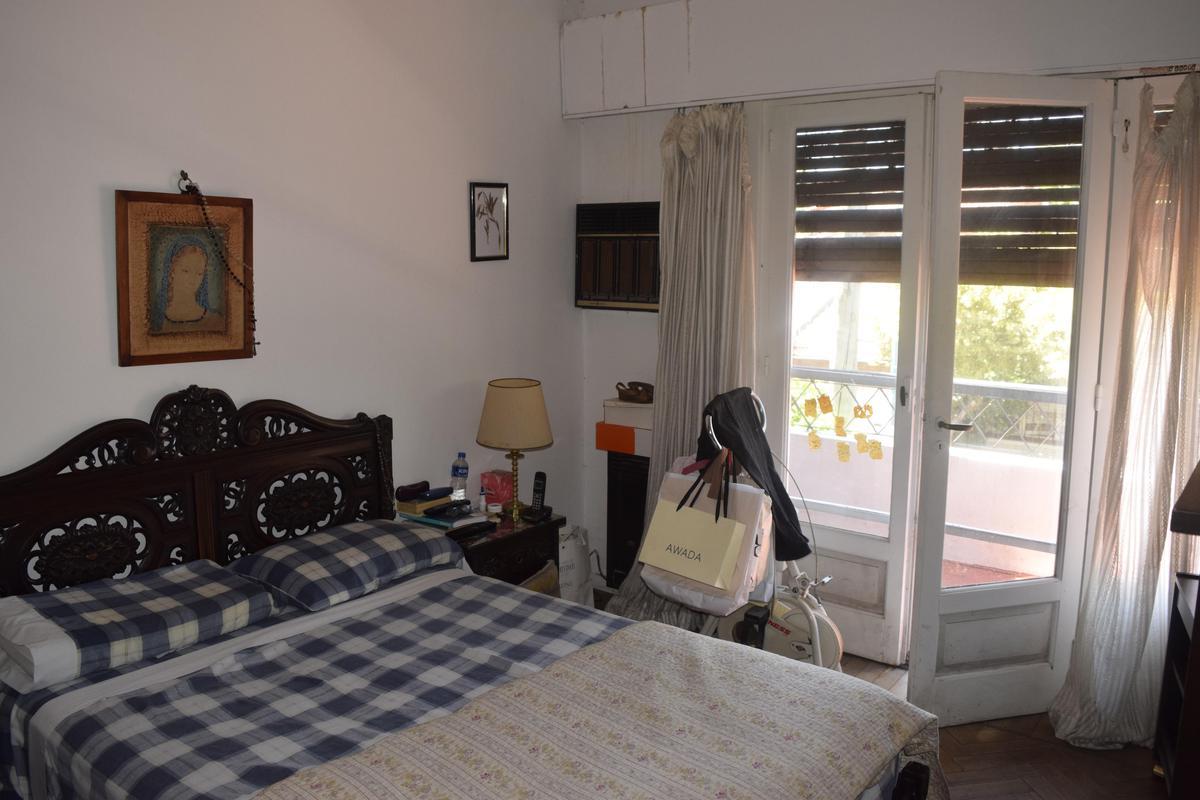 Foto Casa en Venta en  Olivos,  Vicente Lopez  Coronel Dorrego al 1900