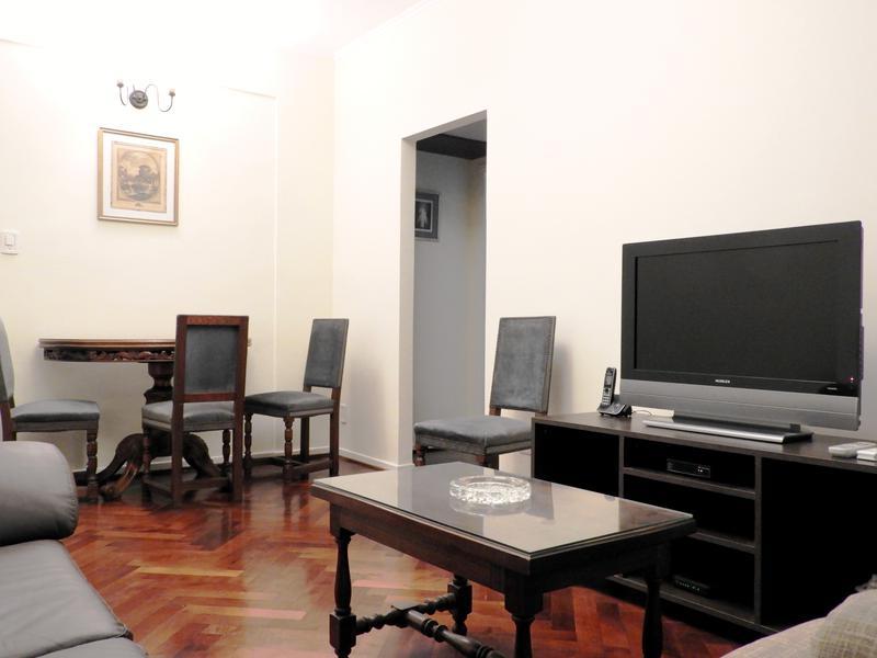 Foto Departamento en Alquiler temporario en  Recoleta ,  Capital Federal  Arenales al 1200