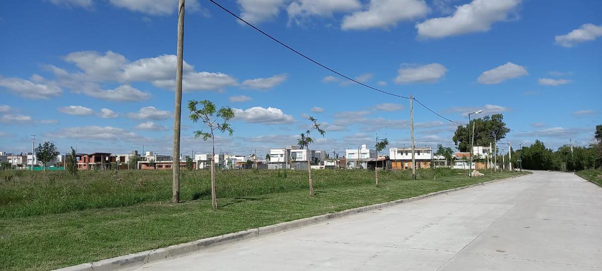 Foto Terreno en Venta en  City Bell,  La Plata  458 y 10 - City Bell La Plata