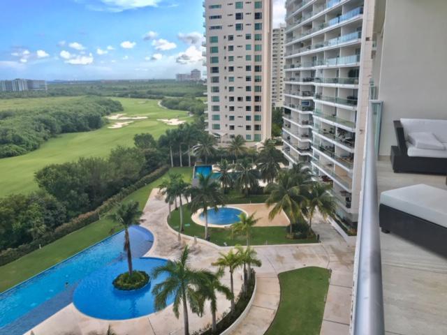 Foto Departamento en Renta en  Puerto Cancún,  Cancún  Departamento en RENTA AMUEBLADO y EQUIPADO en Condominio Sky Residences Puerto  Cancun