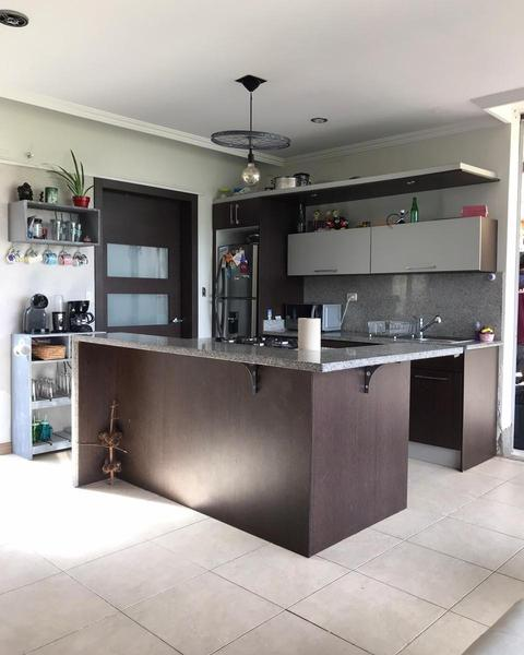 Picture House in Rent in  Challuabamba,  Cuenca  Challuabamba