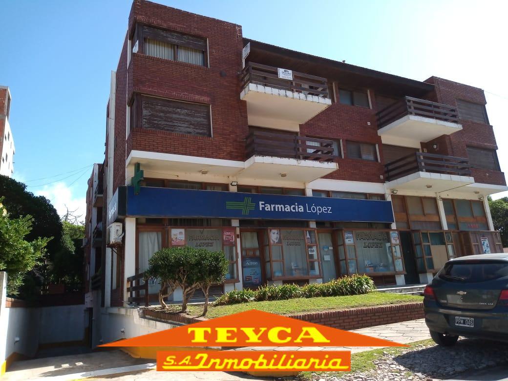 Foto Departamento en Alquiler en  Centro Playa,  Pinamar  Burriquetas 46 E/ AV. Bunge y Gaviotas