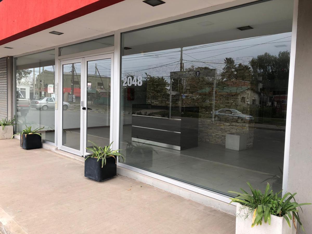 Foto Local en Venta,Alquiler en GRAHAM BELL, A. entre CORVALAN y GAONA, AVDA., Moreno | Paso Del Rey | Graham Bell
