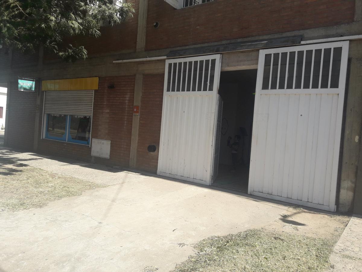 Foto Local en Alquiler en  Zumaran,  Cordoba  pje Marcuzzi al 2400