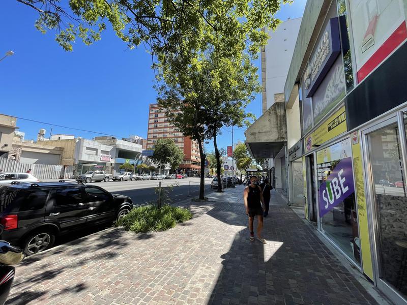 Foto Local en Venta en  Centro,  Mar Del Plata  Av. Independencia entre Bolivar y Moreno