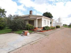 Foto Chacra en Venta en  Toledo Chico ,  Montevideo  Excelente Bodega familiar, en plena producción y con variadas mejoras en venta en Montevideo