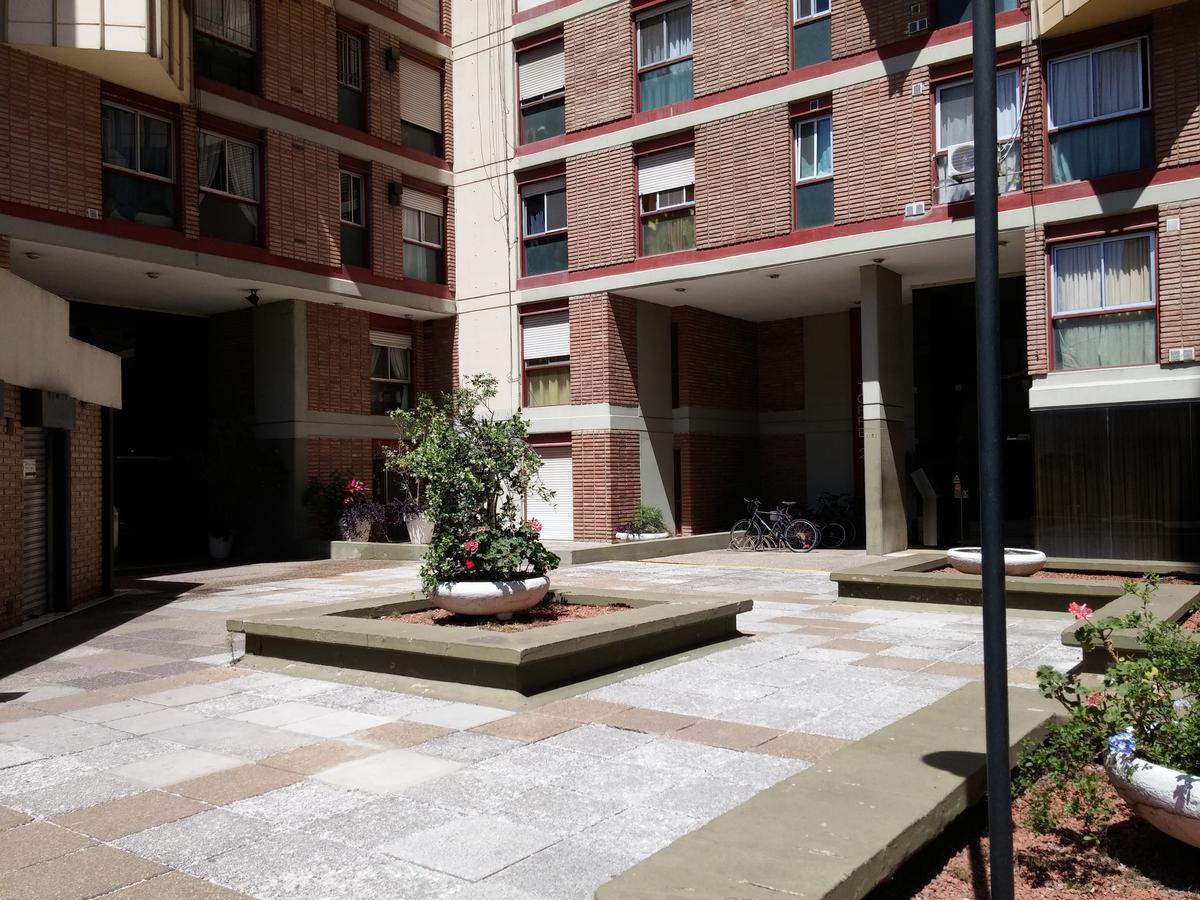 Foto Departamento en Alquiler en  Alberdi,  Cordoba  Colon al 1100
