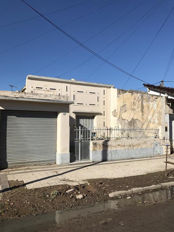 Foto Casa en Venta en  Remedios De Escalada,  Lanus  Pastor Ferreyra 4286