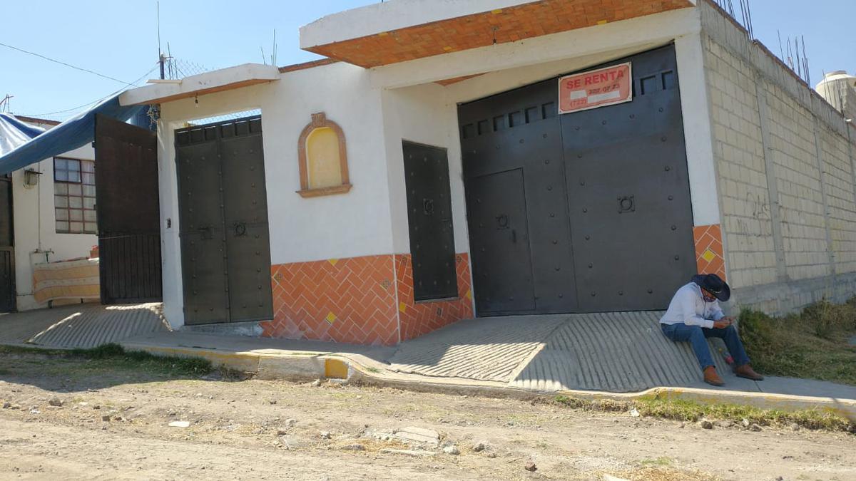 Foto Casa en Venta en  Toluca ,  Edo. de México  CASA CON BODEGA Y/O SALÓN DE FIESTAS EN VENTA Y RENTA EN  EN SAN MARTIN TOLTEPEC