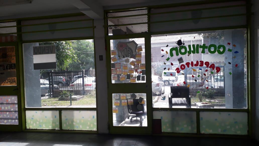 Foto Local en Venta en  Villa Raffo,  Tres De Febrero  R.M.Isabel Fernandez 1116
