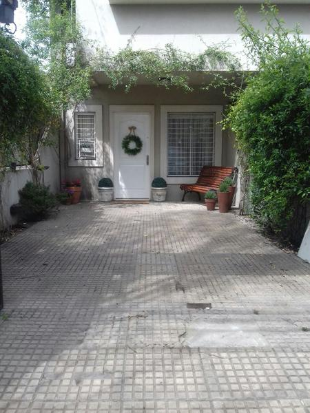 Foto PH en Venta en  Adrogue,  Almirante Brown  General Paz 137