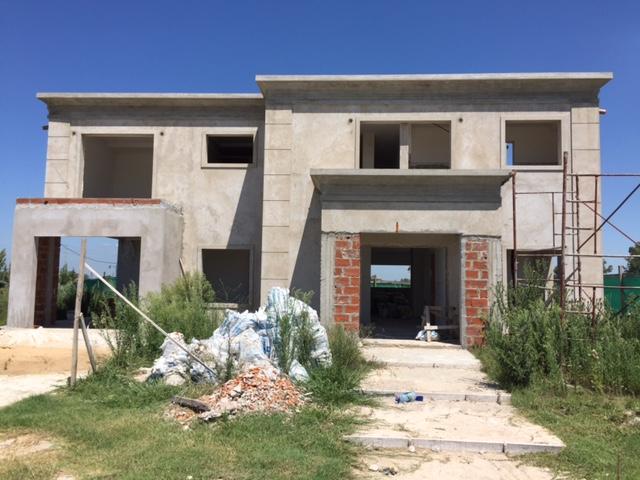 Foto Casa en Venta en  La Providencia,  Countries/B.Cerrado  Venta - Casa a terminar en La Providencia