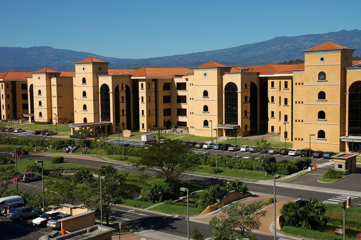 Foto Oficina en Renta en  Santana,  Santa Ana  Oficinas en Forum 1 desde $3.196