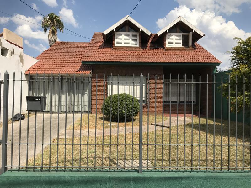 Foto Casa en Venta en  Monte Grande,  Esteban Echeverria  Sardi al 200