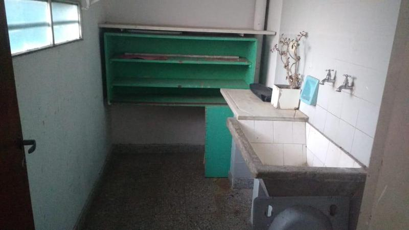 Foto Local en Venta en  Olivos,  Vicente Lopez  Santa Maria de Oro 3292