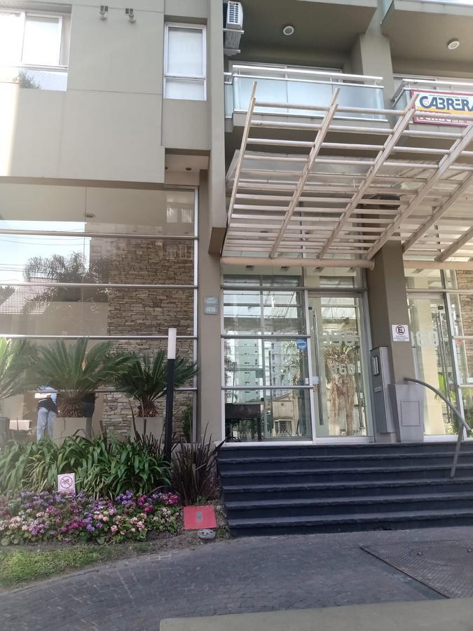 Foto Departamento en Alquiler en  Lomas De Zamora ,  G.B.A. Zona Sur  SARMIENTO 360 6 B c/ COCHERA, Lomas de Zamora