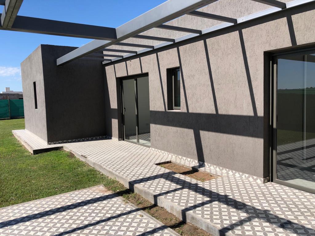 Foto Casa en Venta en  Guaymallen ,  Mendoza  LAS CORTADESA 2 MZ I CASA 34