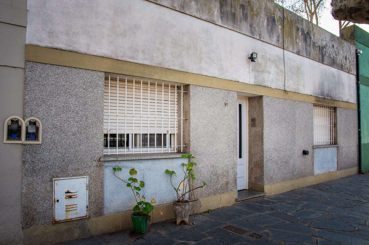 Foto Casa en Venta en  Junin ,  Interior Buenos Aires  Borges Nº 92