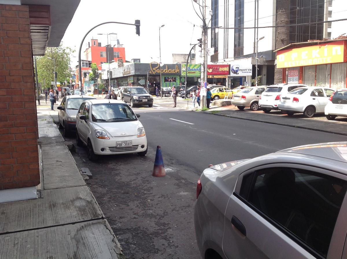 Foto Local en Venta en  La Mariscal,  Quito  Av. Colón