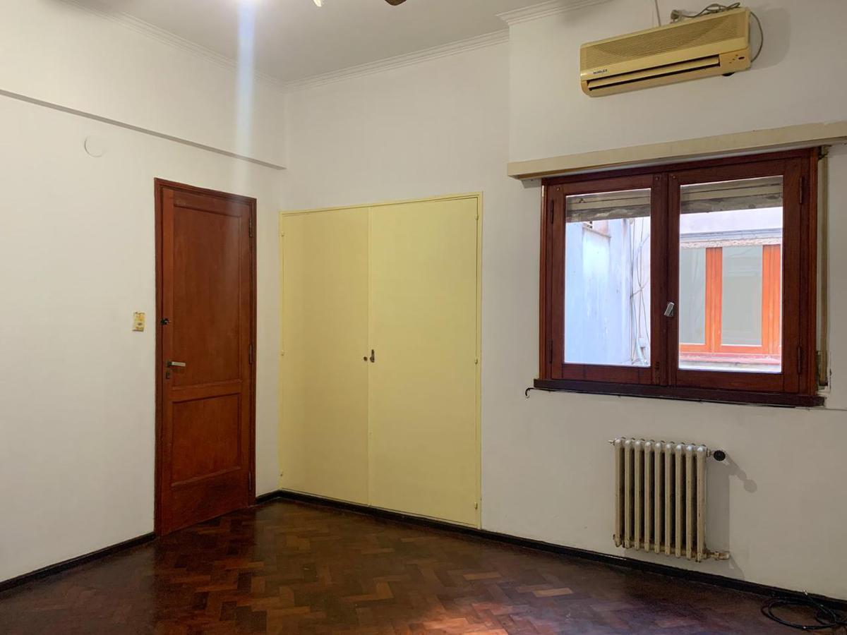Foto Departamento en Venta en  Macrocentro,  Rosario  Roca al 300