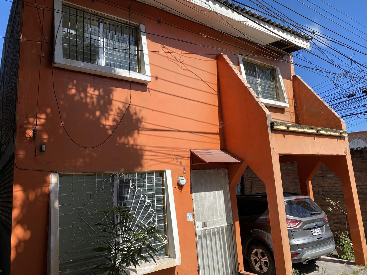 Foto Casa en condominio en Venta en  Monseñor Fiallos,  Distrito Central  Casa en circuito cerrado, Subida al Country, Comayaguela