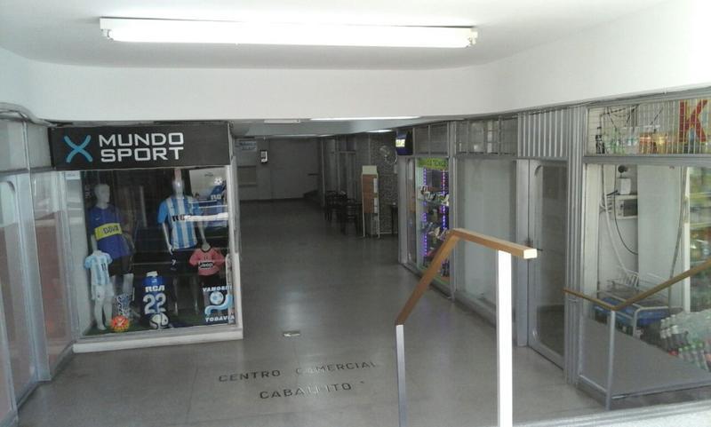 Foto Local en Alquiler en  Caballito ,  Capital Federal  Rivadavia al 5500 entre Nicolás Repetto y Emilio Mitre