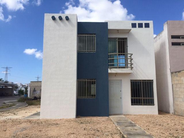 Foto Casa en Renta en  Fraccionamiento Los Héroes,  Mérida  Casa De 3 Habitaciones En Fracc Los Héroes