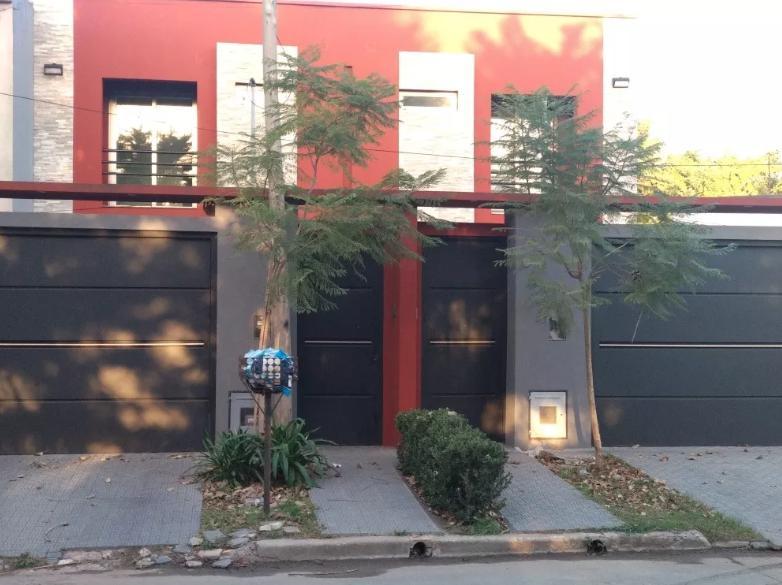 Foto Casa en Alquiler en  Manuel B Gonnet,  La Plata  489 N°3606 y 31