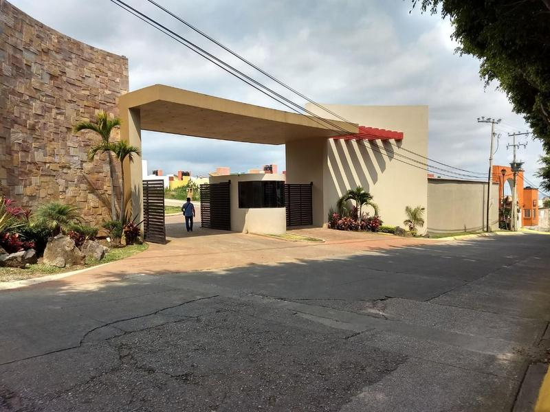 Foto Terreno en Venta en  Fraccionamiento Lomas de Ahuatlán,  Cuernavaca  Terreno Venta Residencial Kloster Ahuatlan L52