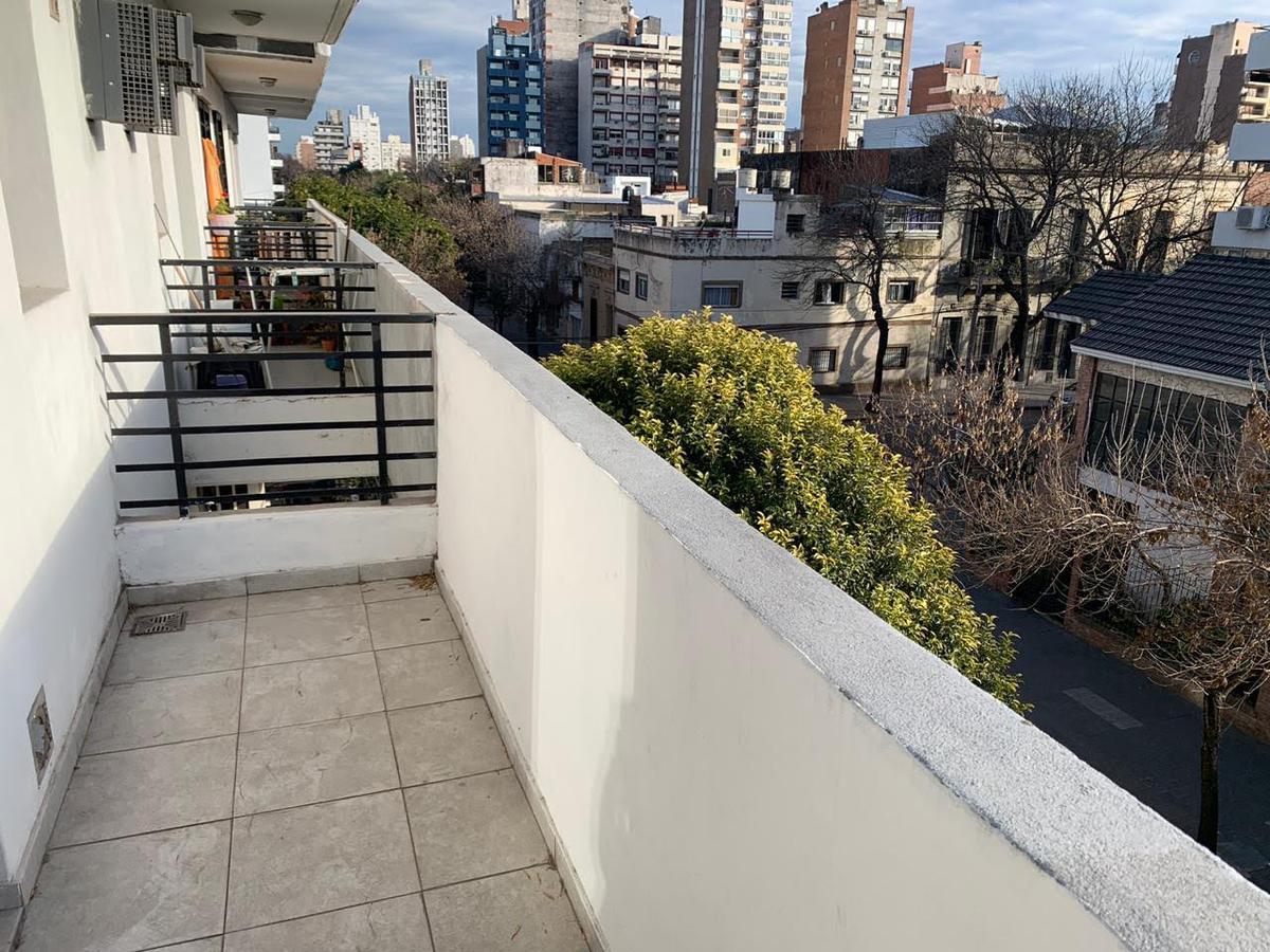 Foto Departamento en Alquiler en  República de la Sexta,  Rosario  Pasco al 500