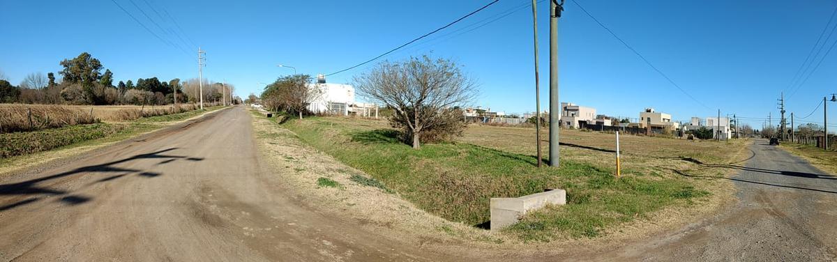 Terreno en venta esquina Roldan Las Tardes
