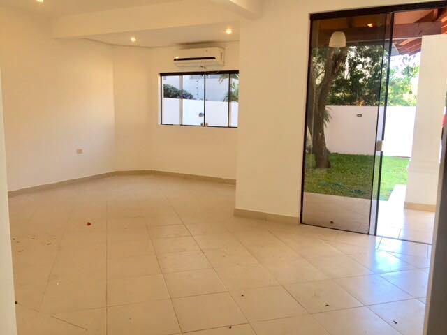 Foto Casa en Alquiler en  Las Carmelitas,  Santisima Trinidad  Zona el Mangal