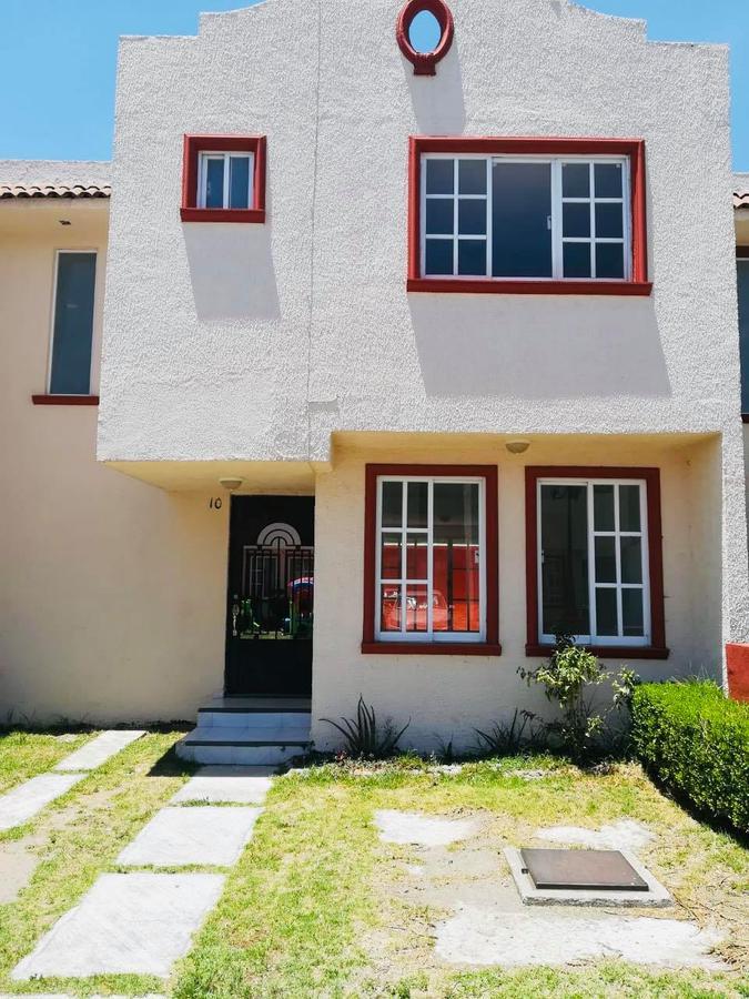 Foto Casa en condominio en Renta en  Metepec ,  Edo. de México  RENTA DE CASA EN METEPEC  ATRAS DE TOWN SQUARE