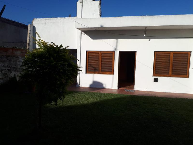 Foto Casa en Venta en  Lanús ,  G.B.A. Zona Sur  Jose L.Suarez al 2100