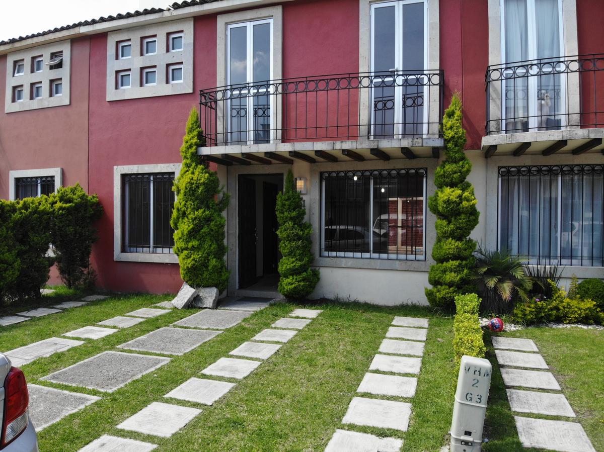 Foto Casa en condominio en Venta en  San Mateo Otzacatipan,  Toluca  Valle de san Jose Toluca, Cerca del Aeropuerto