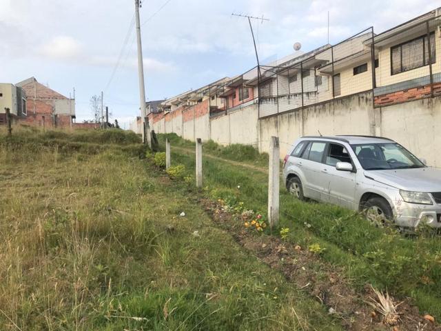 Foto Terreno en Venta en  Este,  Cuenca  Terreno en venta 780m2 Dividido en TRES lotes, sector Racar $114.000dlrs.