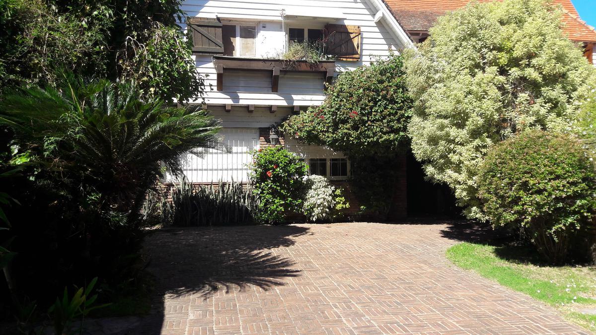Foto Casa en Venta en  Martinez,  San Isidro  Colon al 1000
