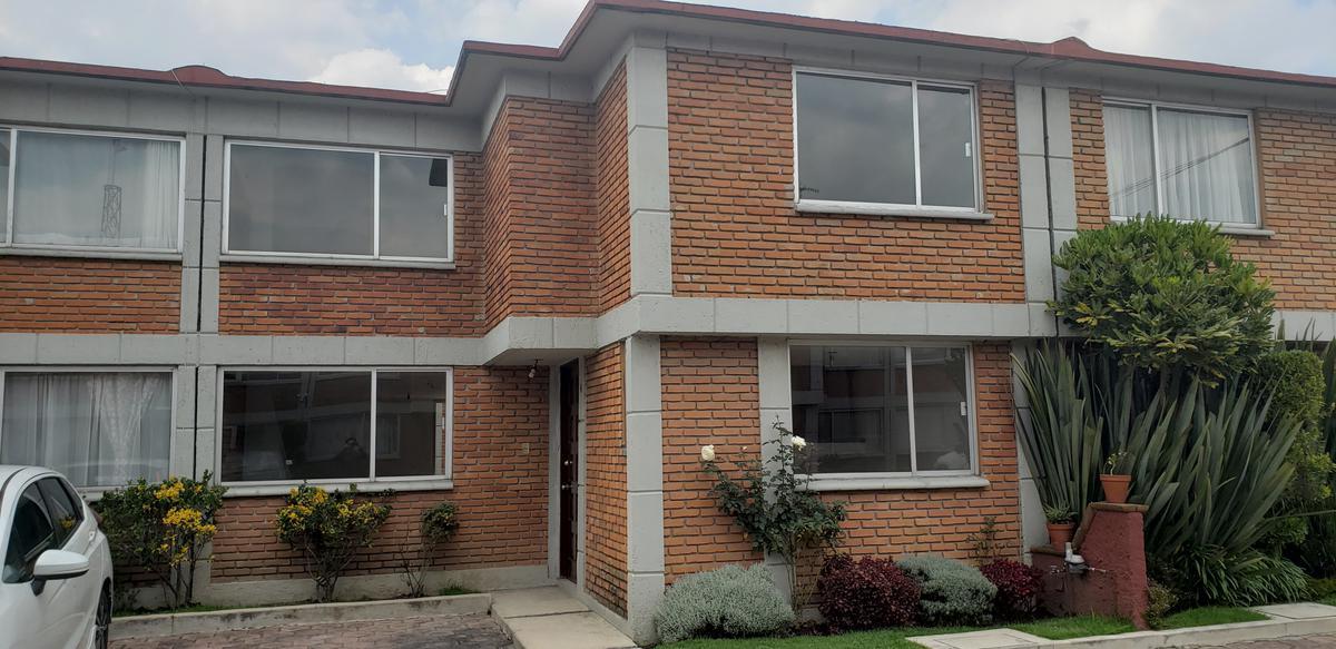 Foto Casa en condominio en Renta en  San Agustín,  Metepec  Rento casa en Villas San Agustin, Metepec.