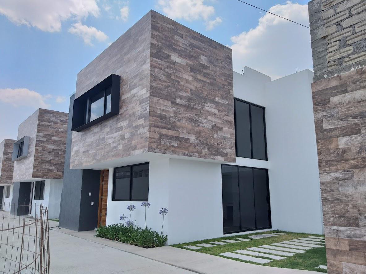 Foto Casa en condominio en Venta en  Santa María Totoltepec,  Toluca  CASA EN VENTA EN TOLUCA MEXICO